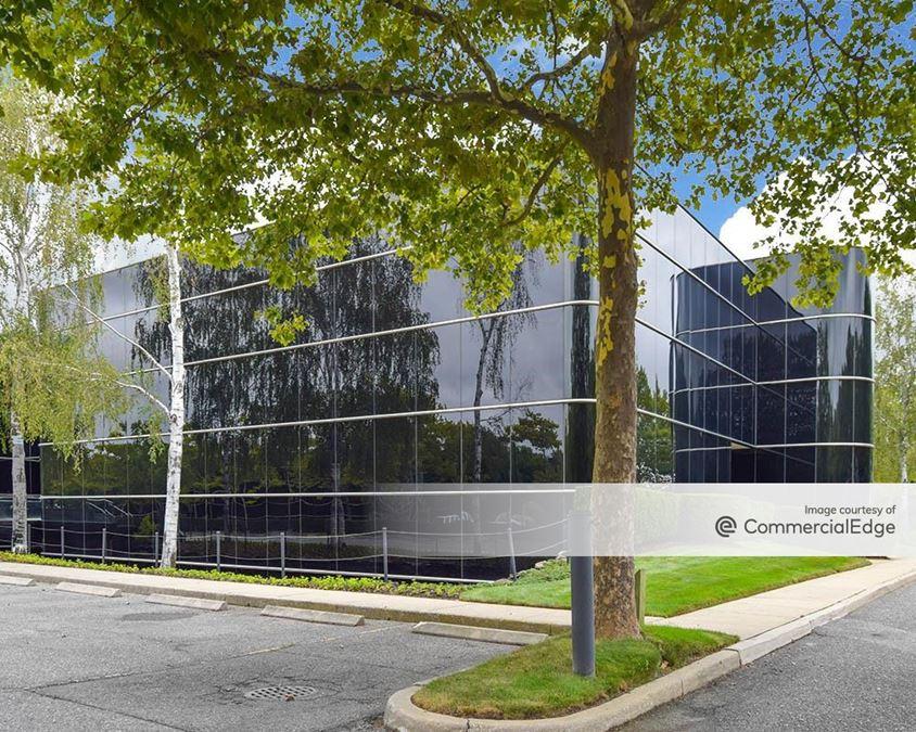 Airport Corporate Center - 630 Johnson Avenue