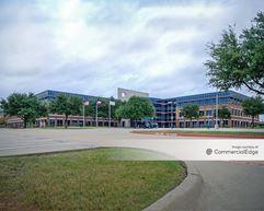 4000 Embarcadero Drive - Arlington