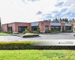 AmberGlen Business Center - Building 8900 - Beaverton