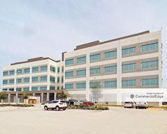 Dow Texas Innovation Center - Administration Building - Lake Jackson