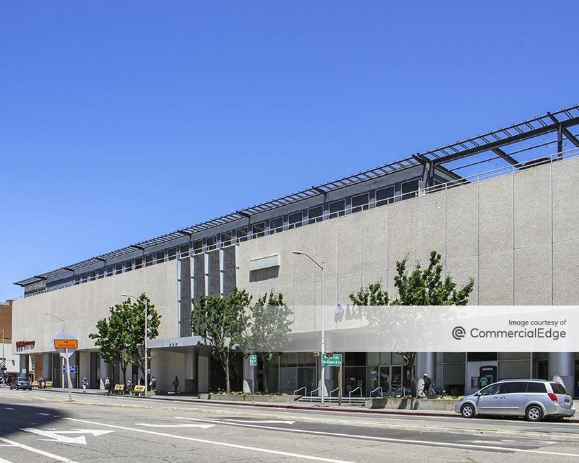 Kaiser Center Mall