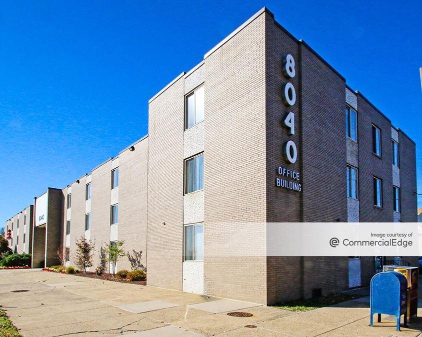 8040 Roosevelt Blvd