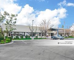 6205 District Blvd - Bakersfield