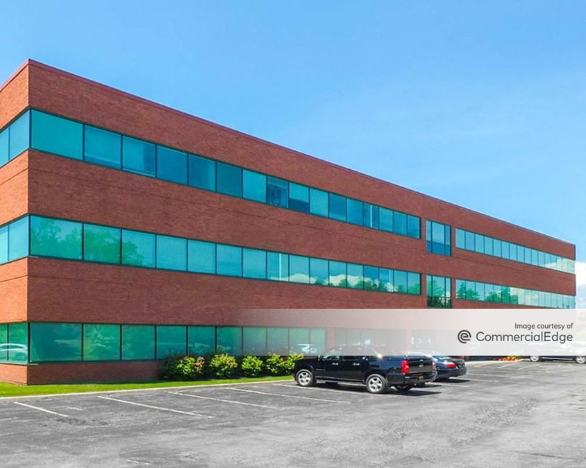 Centerpointe Corporate Park - 400 Essjay Road