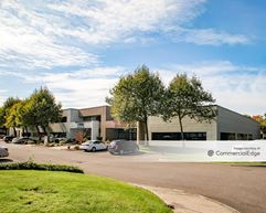 Van Doren's Landing Center - 22407-2435 68th Avenue South & 22404-22614 66th Avenue South - Kent