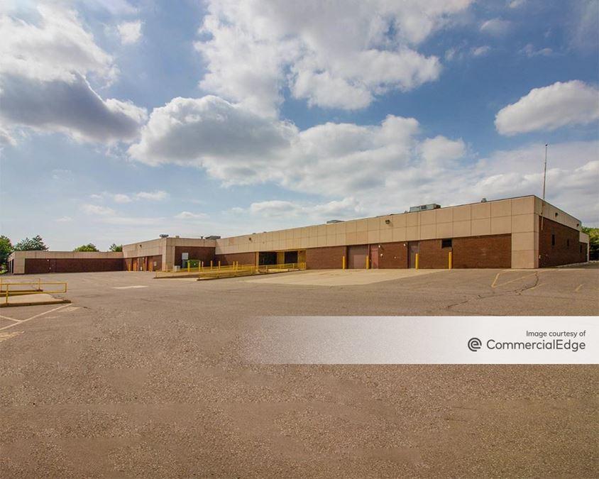 Fairlane Commerce Park North - 15000 & 15050 Commerce Drive North