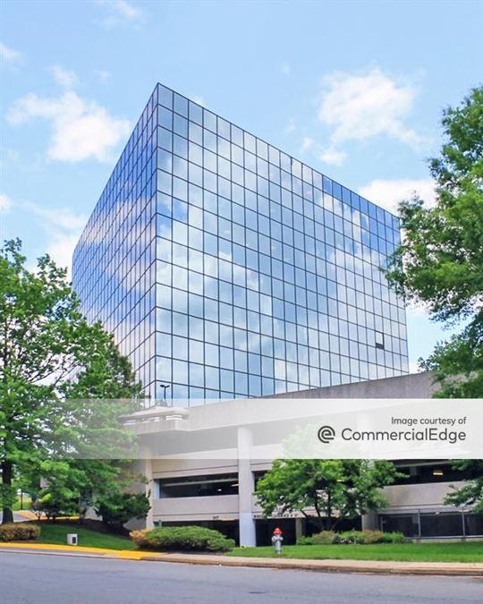 Tysons Commerce Center