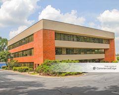 Northlake Corners Office Building - Tucker