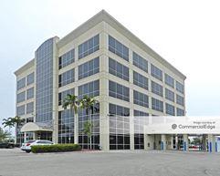 5220 Summerlin Commons Boulevard - Fort Myers