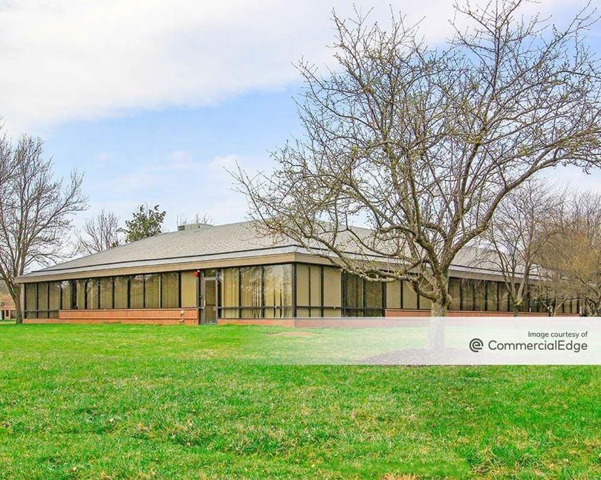 Lehigh Valley Corporate Center - 1480 Valley Center Pkwy