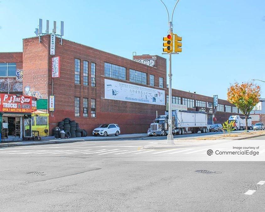 1250 Metropolitan Avenue