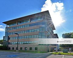 Staples Building - Overland Park