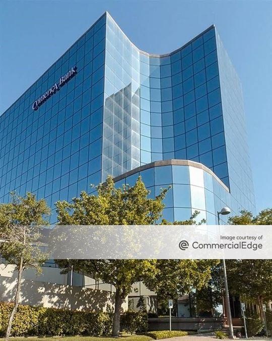 Comerica Bank Plaza