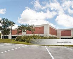 The Oaks at University Business Park - Building 1 - San Antonio