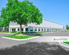 Detroit Metro Airport Center - 11677 Wayne Road & 11700 Metro Airport Center Drive - Romulus