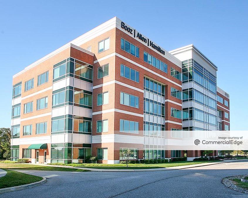 Water's Edge Corporate Center - 4694 Millennium Drive