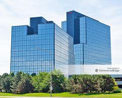 Woodfield Corporate Center - 425 & 475 North Martingale Road - Schaumburg