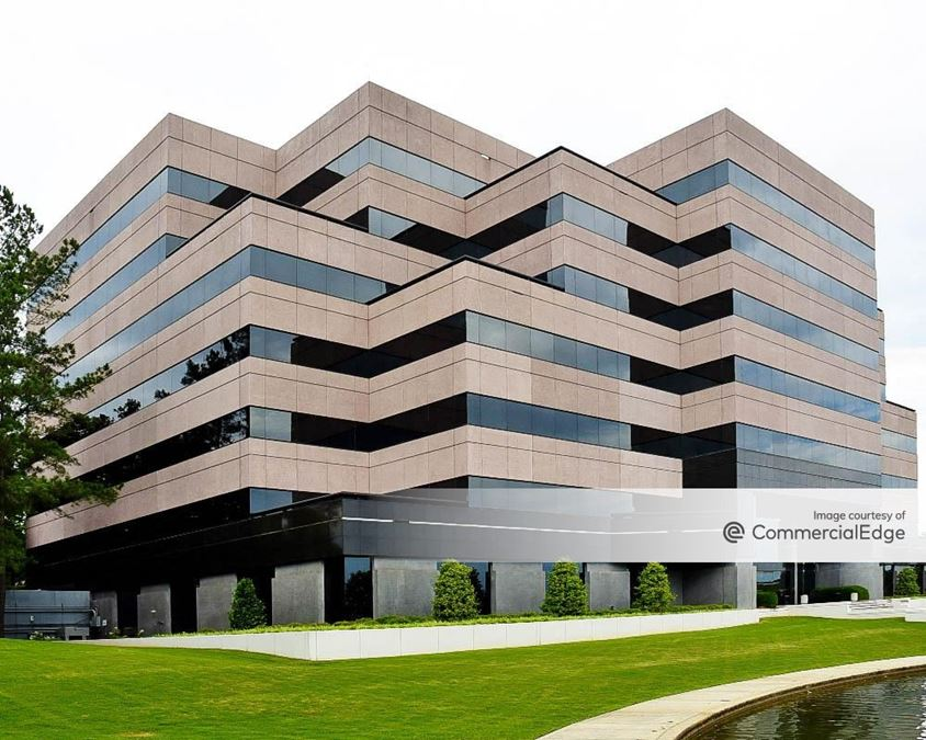 Meadow Brook Corporate Park - 100 Corporate Pkwy