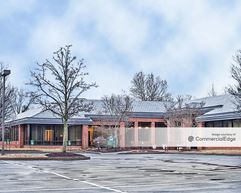 Lehigh Valley Corporate Center - 1660 Valley Center Pkwy - Bethlehem