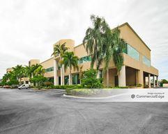 Cusano's Building - Coconut Creek