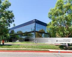 Warner Center Corporate Park - 21041 Burbank Blvd - Woodland Hills