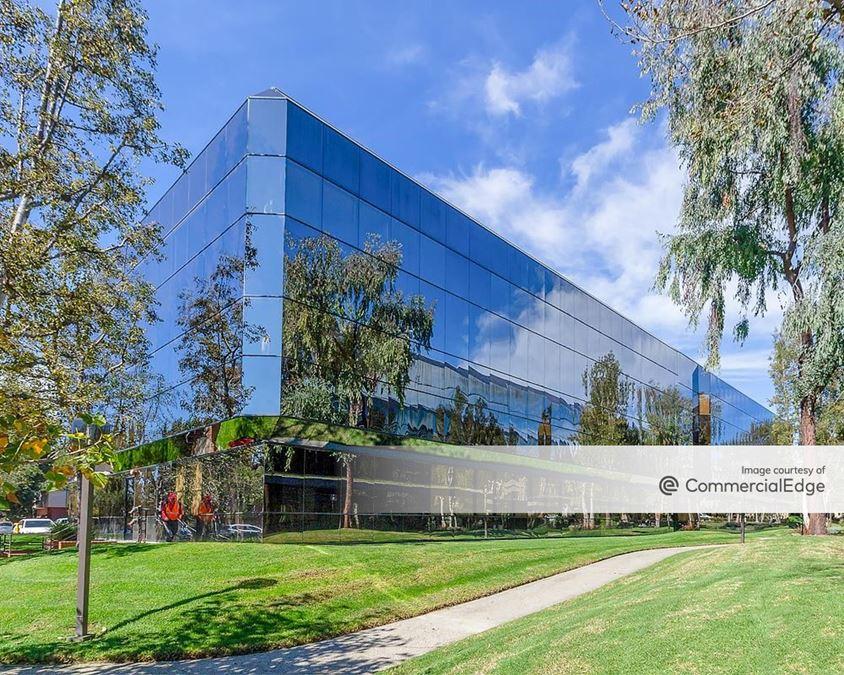The Center Promenade - 6477 Telephone Road & 1000, 1050 Hill Road