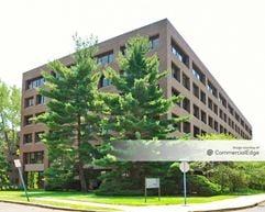 One University Plaza - Hackensack
