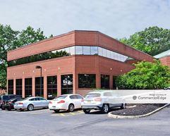 Linden Oaks Office Park - 300 Linden Oaks - Rochester