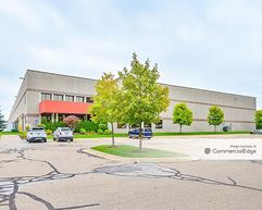 Livonia Corporate Center - Building 4 - Livonia