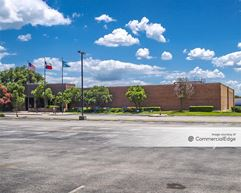 7050 Fairgrounds Pkwy - San Antonio