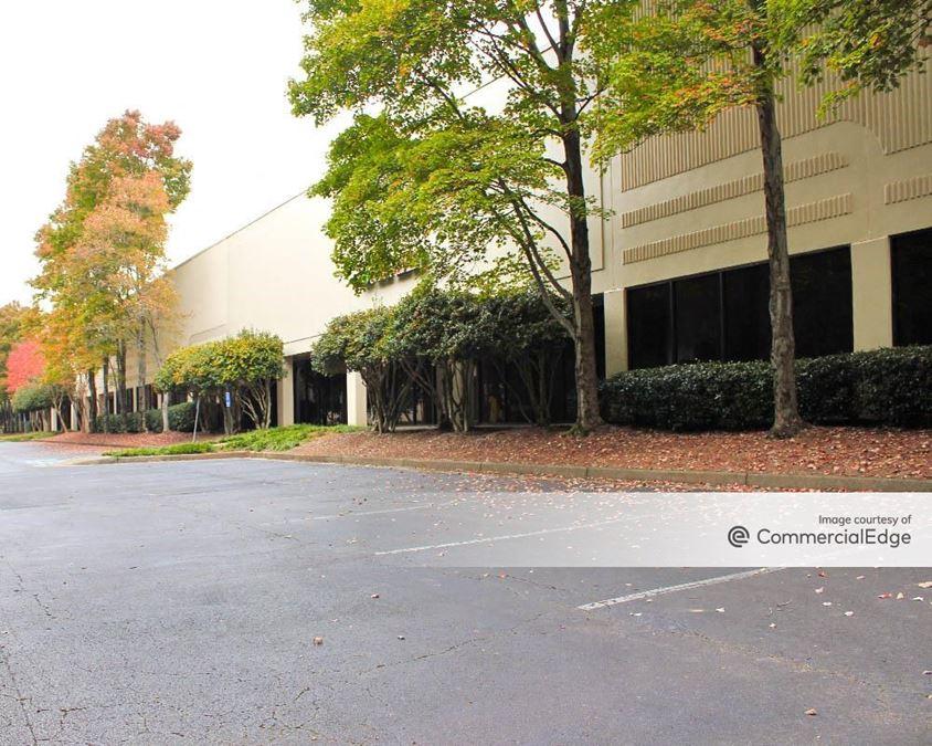 Park North Business Center - 675 & 715 Park North Blvd