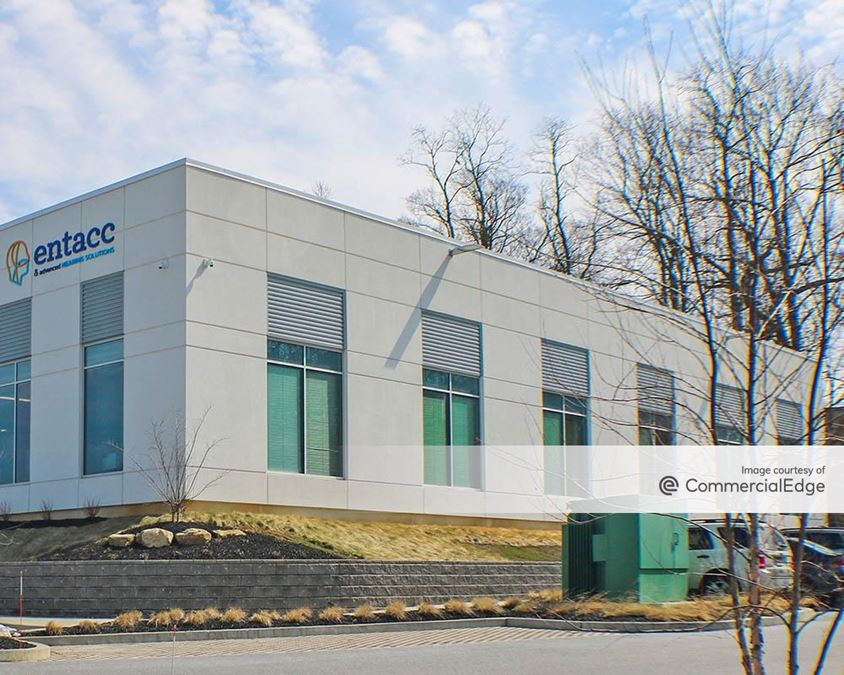 The Campus - 200 & 400 Willowbrook Lane