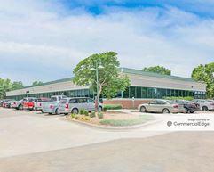 Windsor Park Business Center - Lee's Summit