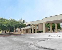 2705 Hospital Blvd - Grand Prairie