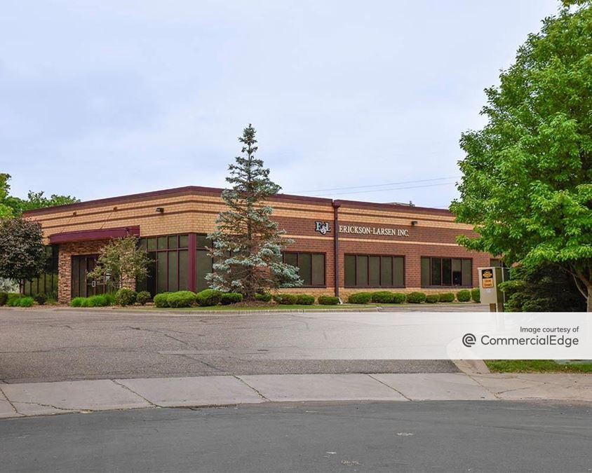 Bass Lake Woods Office Center
