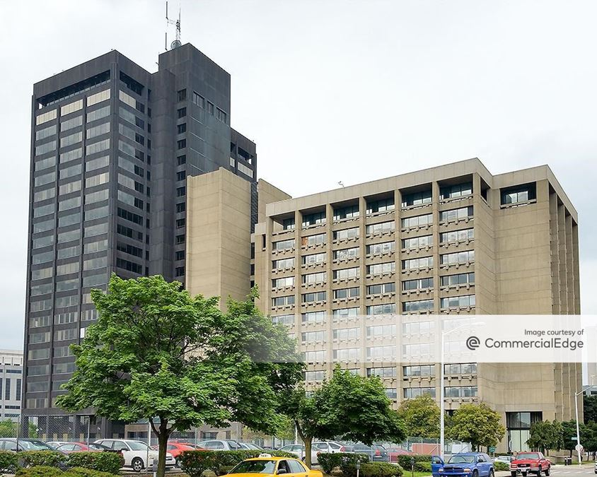 Detroit Executive Plaza