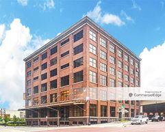 100 Grandville Avenue SW - Grand Rapids