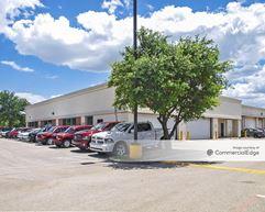 7034 Alamo Downs Pkwy - San Antonio
