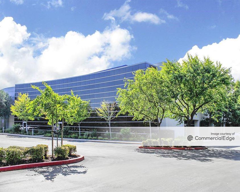 Valley Oak Corporate Center - 6373 San Ignacio Avenue