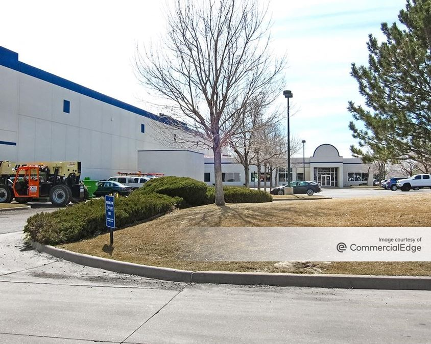 Gateway Park - 16456 East Airport Circle