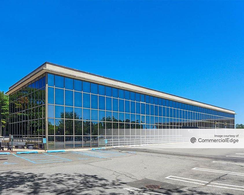 Long Island Jewish Medical Center - 410 Lakeville Road