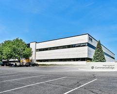 The Vanguard Building - Fair Lawn