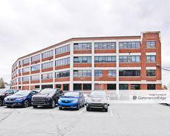 The PinnacleHealth's Harrisburg Campus - Southgate Building - Harrisburg
