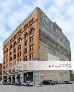 Renaissance Building - Milwaukee