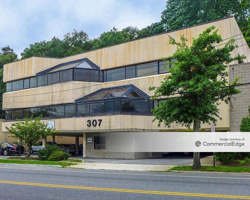 307-321 East Shore Road