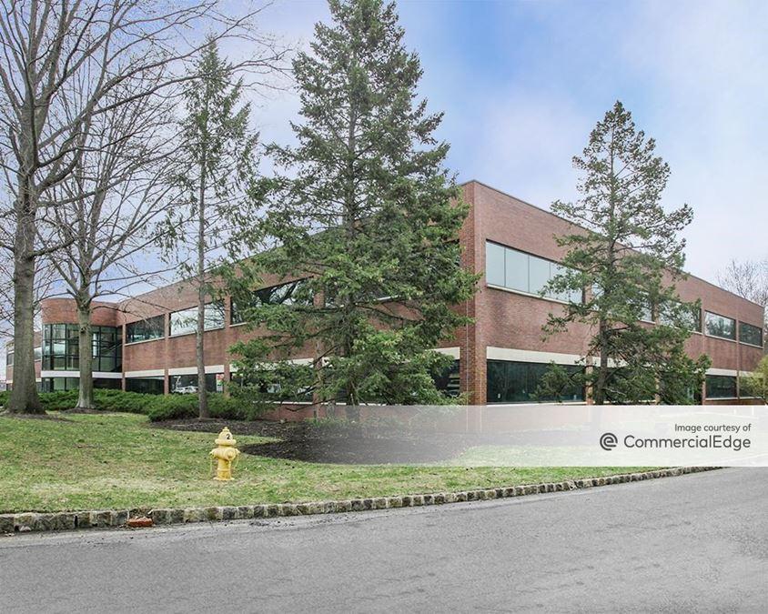 Justin Corporate Center II