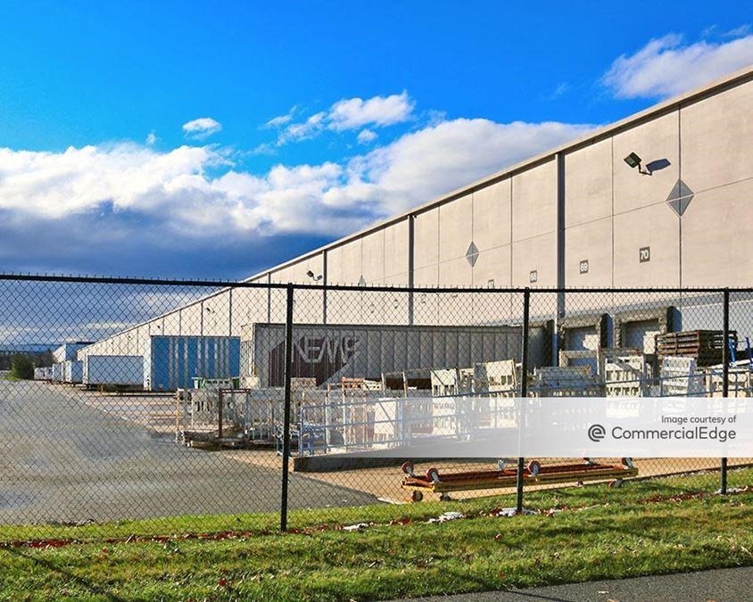 Boulder Business Center - 8014 Industrial Blvd