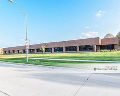 Three Fountains Office Park - Crestwood & 4344 Corporate Drive - West Des Moines