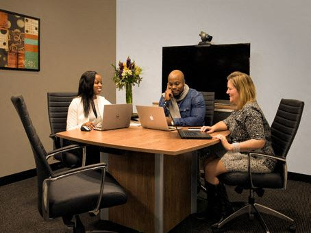 Office Freedom | 170 Meeting St