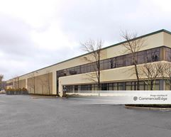200-250 Kennedy Drive - Sayreville